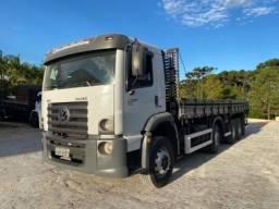 Vw-24.280 ano:13,branco,bi-Truck 8x2,com carroceria de 9 mts,ótimo estado.