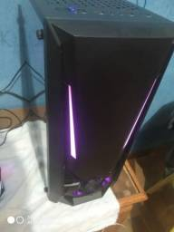 PC gamer novo, na caixa.