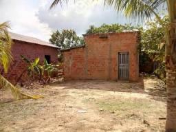 Vendo está casa com terreno medindo 10×25