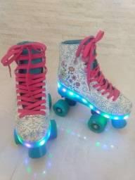 Vendo este lindo patins!!!!