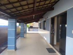 Casa com 5/4 - Condomínio Manaain