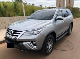 Toyota Hilux SW4 2.7 SR 4X2 16V / 2017 / Prata