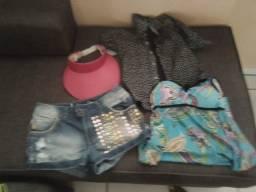 Vendo variadas roupas e calçados