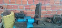 Lixadeira para cutelaria com regulagem de ângulo