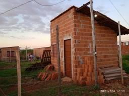 Casa 1 peça 1 banheiro sem reboco