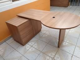 Mesa de escritorio top com armario