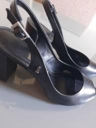 Sapato feminino Santa Lola