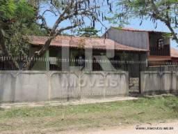Ótima casa, 2 Quartos, Quintal amplo, Transporte local *ID: IP-15