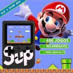 Video game portátil novo com 400 jogos classicos suporte para tv e bateria recarregavel