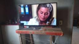 Vendo uma TV nova menos de 1 mês de uso 43 polegadas