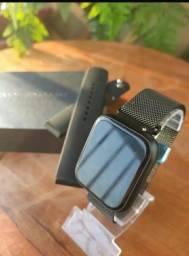 Relógio SmartwatchP70 com 2 pulseiras (aço/silicone) pretas.<br><br>