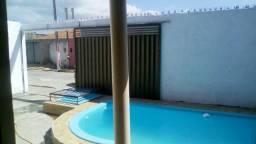 Casa com piscina próximo ao francês