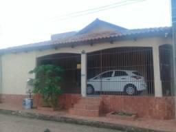 Vendo casa no conjunto Universitário aceito carro como parte do pagar