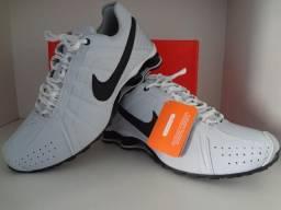 589d829d766c2 Tênis Nike Shox 4 Molas ///Branco//// =Aceitamos Cartões