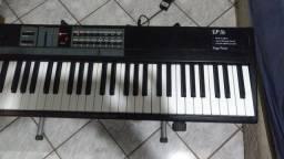 Piano digital Kurzweil sp76