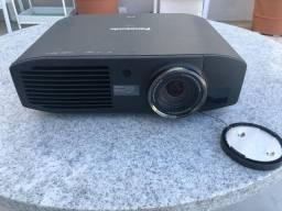 Projetor e Telão Panasonic Semi Novo