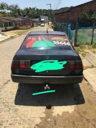 Vendo ou troco carro feito chaparia a pouco tempo so falta tintar