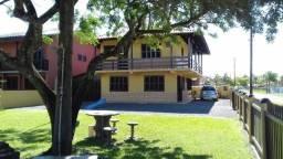 Residência as margens da lagoa de Barra do Sul, 3 suítes + 3 dormitórios e amplo terreno