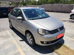 Polo Sedan Confortline I-Motion 2013 PRA VENDER RAPIDO