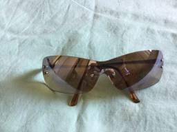 Oculos de sol em tom marrom