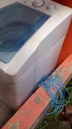 Vendo uma máquina de lavar com defeito