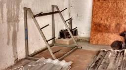Vendo esse suporte para pessos e barras pra academia