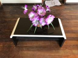 Mesa de Centro em madeira semi-nova