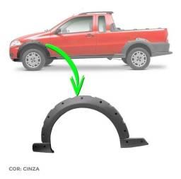 Moldura Paralama Dianteiro Fiat Strada Working (cor cinza) 2008 a 2013 Original