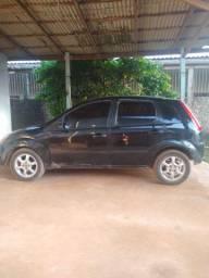 Ford Fiesta preto