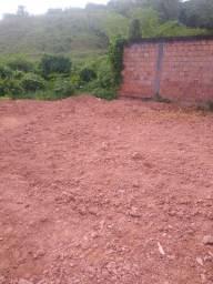 Vendo terreno 10x20  com construção/ km 25