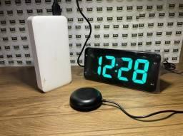 Título do anúncio: Despertador carregador com vibratório (D151)