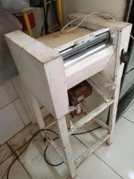 Modeladora de pão