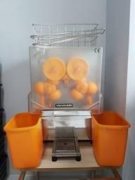 Máquina de Espremer Laranja Automática Venâncio