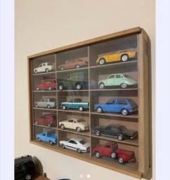 Coleção de mini carros antigos e novos