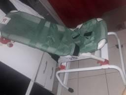 Cadeira de Banho Lontra com base alta Tamanho G ? Drive Medical<br><br>