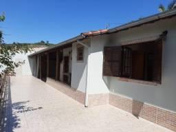 Casa com 2 Dormitórios - Chácara Urbana - No Centro de Soledade/MG.