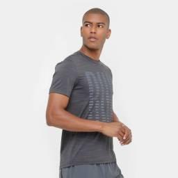 camiseta rebook run