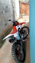 Moto de trilha XR 230 toda preparada