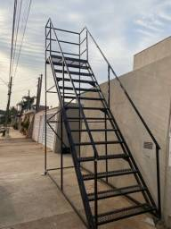 Título do anúncio: Escada para estoque R$4500,00