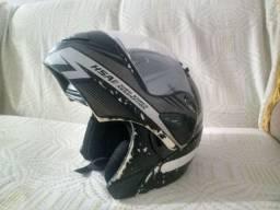 Vendo capacete e caixa térmica para motoboy usados!