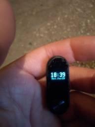 Vendo Relógio e Pulsera Original tá só um pouco arranhado a tela mas tá novo