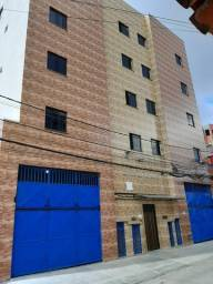 Aluga-se excelente apartamento  em itapuã, 2 quartos