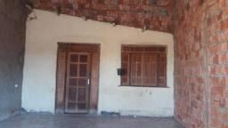 Alugo casa no Rui Lino