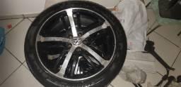 Vendo jogo de rodas ( barbada),pneus seminovos,valor,somente R$2.600,00