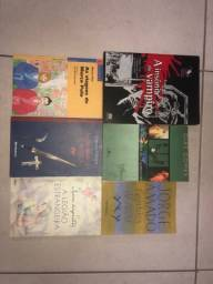 Livros bem novinhos