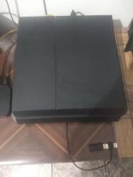 Playstation 4 + Fone Ouro Séries  ( sem fio) .