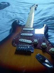 Guitarra semi nova