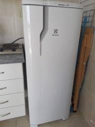 Geladeira / Refrigerador Electrolux