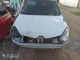 Sucata de Renault Clio só para retirada de peças