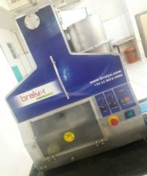 Máquina de enrolar doce e pão de queijo